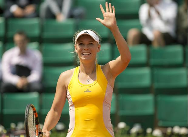 Tennis Star Caroline Wozniacki Brings It Again In 2017 SI Swimsuit Pics